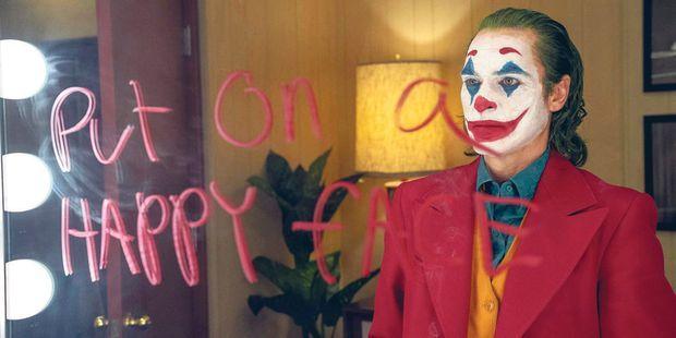 "Dans ""Joker"", Joaquin Phoenix livre une virtuose prestation"
