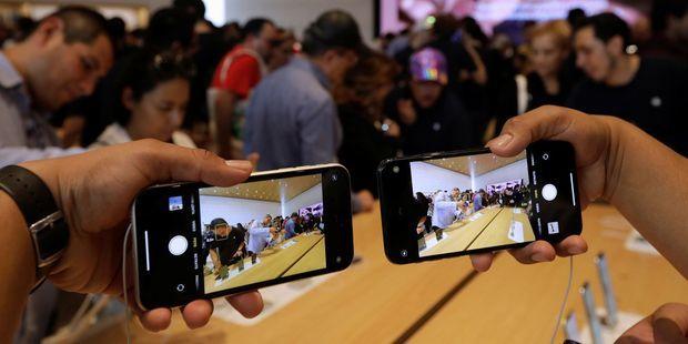 Smartphones : la guerre des chargeurs rapides