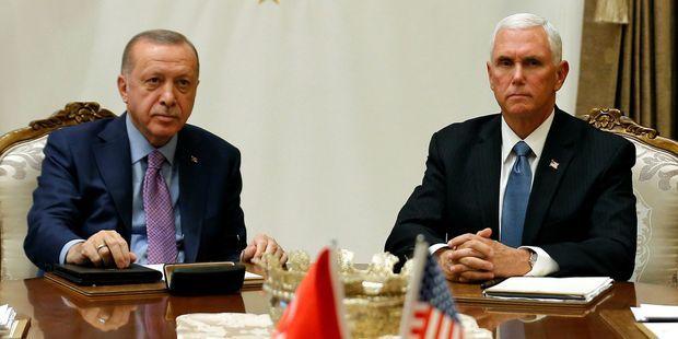 """Syrie : la Turquie suspend son offensive, les forces kurdes prêtes à respecter """"le cessez-le-feu"""""""