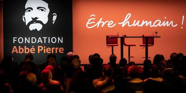 """Présentation du 24e rapport sur """"l'état du mal-logement en France"""" de la Fondation Abbé-Pierre en février 2019."""