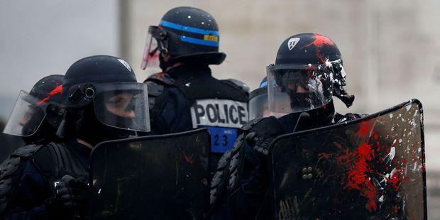 """Des policiers en colère, les """"Gyros bleus"""", appellent à """"fermer les commissariats"""" mercredi"""