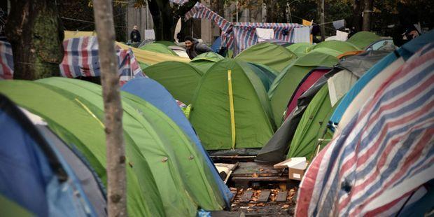 Migrants : le camp de la Porte d'Aubervilliers évacué mardi