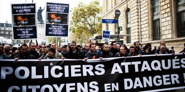 Policiers brûlés à Viry-Châtillon en 2016 : 13 jeunes comparaissent pour tentative de meurtre