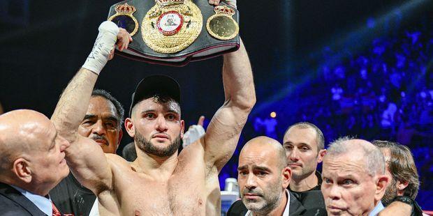 La boxe fait son retour dans la salle mythique de Bercy