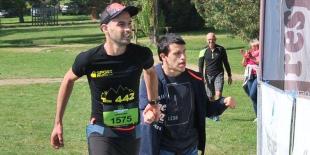 """Marathon de Paris : avec son frère, Thibaud va faire une """"belle balade"""" en joëlette"""