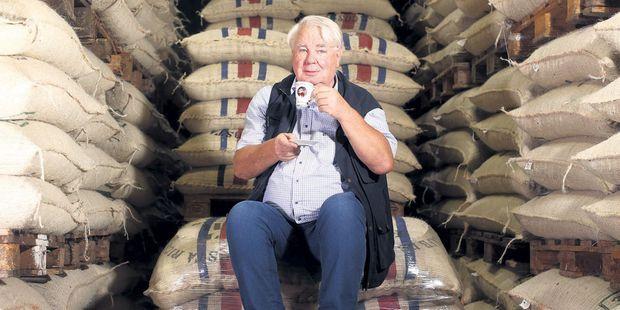 Les secrets de Paul Dequidt, l'aventurier du café