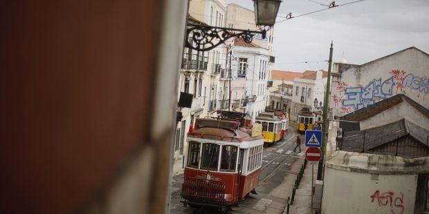 Portugal Quand Les Etrangers Delogent Les Habitants De Lisbonne