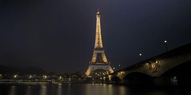 91cdd04e48bc5f Exclusif. Un concours mondial pour la tour Eiffel de demain