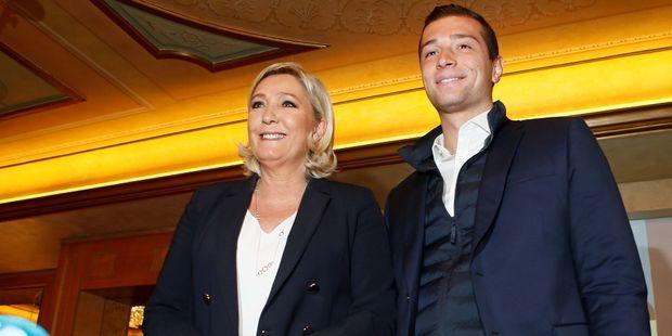 Marine Le Pen et la tête de liste RN aux européennes, Jordan Bardella, samedi dernier à Milan.