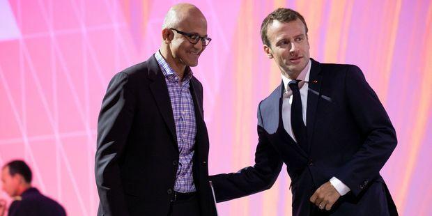 Satya Nadella, le directeur général de Microsoft, en compagnie d'Emmanuel Macron en mai dernier à Paris.