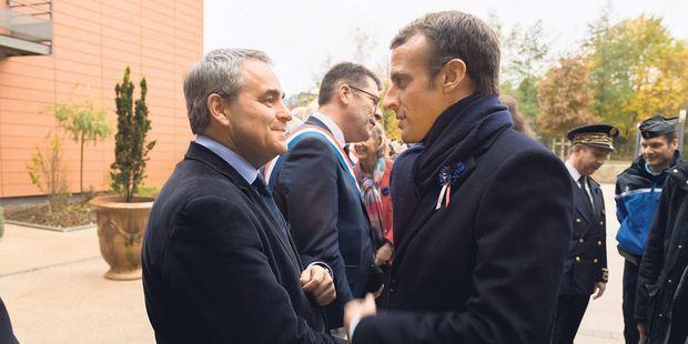 Pourquoi Emmanuel Macron tient Xavier Bertrand à l'œil