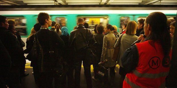"""Grève massive à la RATP : pourquoi un """"service minimum"""" ne sera pas assuré"""