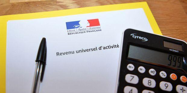 Le revenu universel d'activité doit se substituer d'ici à 2023 au RSA et à plusieurs autres prestations sociales.